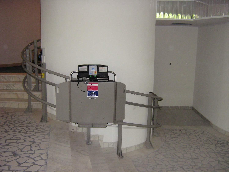 Elevator pentru persoane cu dizabilitati GARAVENTA LIFT - Poza 14