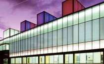 Sticla decorativa Geamuri pentru difuzia lumininii - geamul izolator face ca lumina soarelui sa patrunda in camera intr-un mod placut, difuz. Pe langa acest avantaj au si propietati de izolare termica, acestea variind in functie de cererea clientului.Geamuri design printate digital - este o reproducere a imaginii foarte realista si o stalucire a culorilor imcomparabila. Este potrivit pentru unitati de sticla izolante, parapeti, fatade, pereti cortina si multe alte aplicatii.