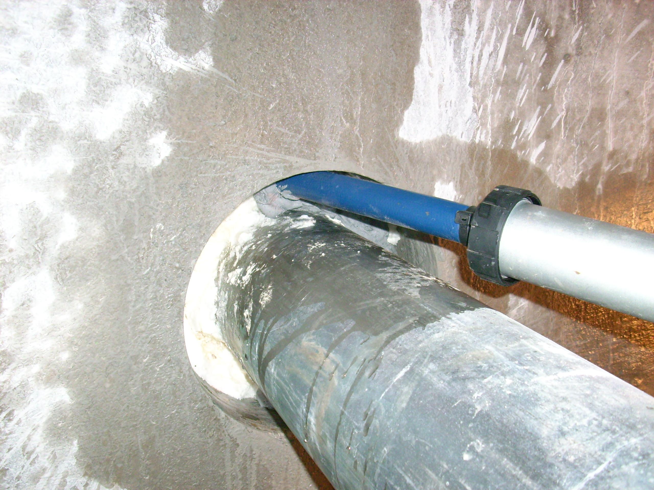 Hidroizolare strapungeri instalatii sanitare - Complex rezidential str Fetesti UNICO PROFIT - Poza 1