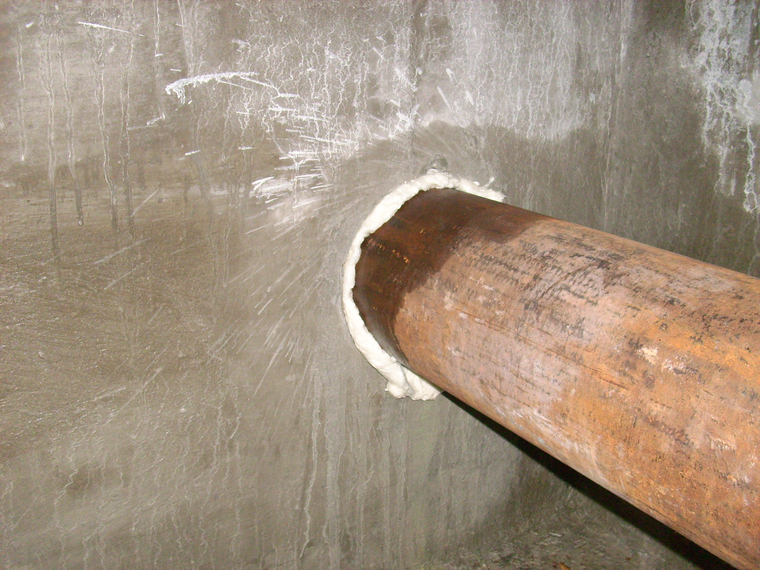 Hidroizolare strapungeri instalatii sanitare - Complex rezidential str Fetesti UNICO PROFIT - Poza 13