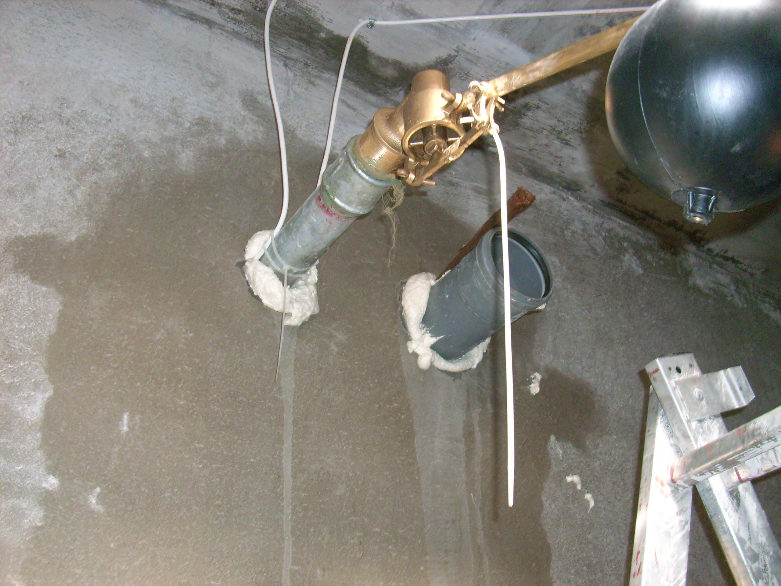 Hidroizolare strapungeri instalatii sanitare - Complex rezidential str Fetesti UNICO PROFIT - Poza 15