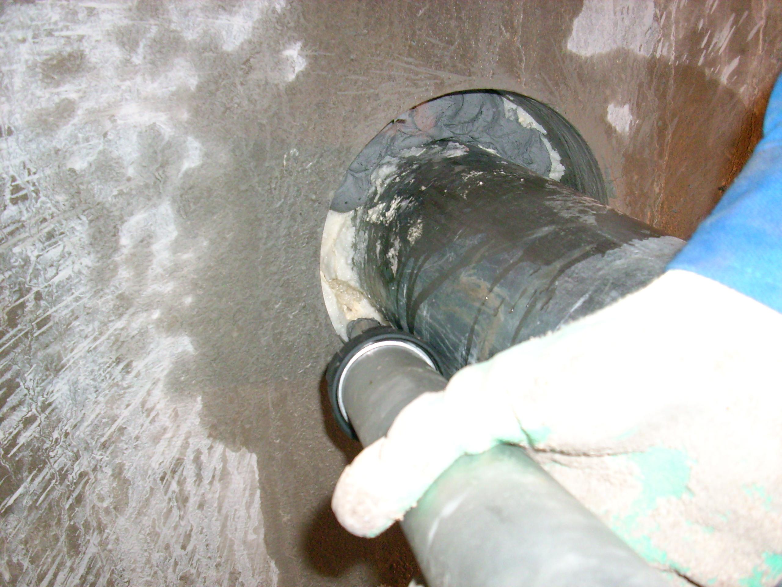 Hidroizolare strapungeri instalatii sanitare - Complex rezidential str Fetesti UNICO PROFIT - Poza 25