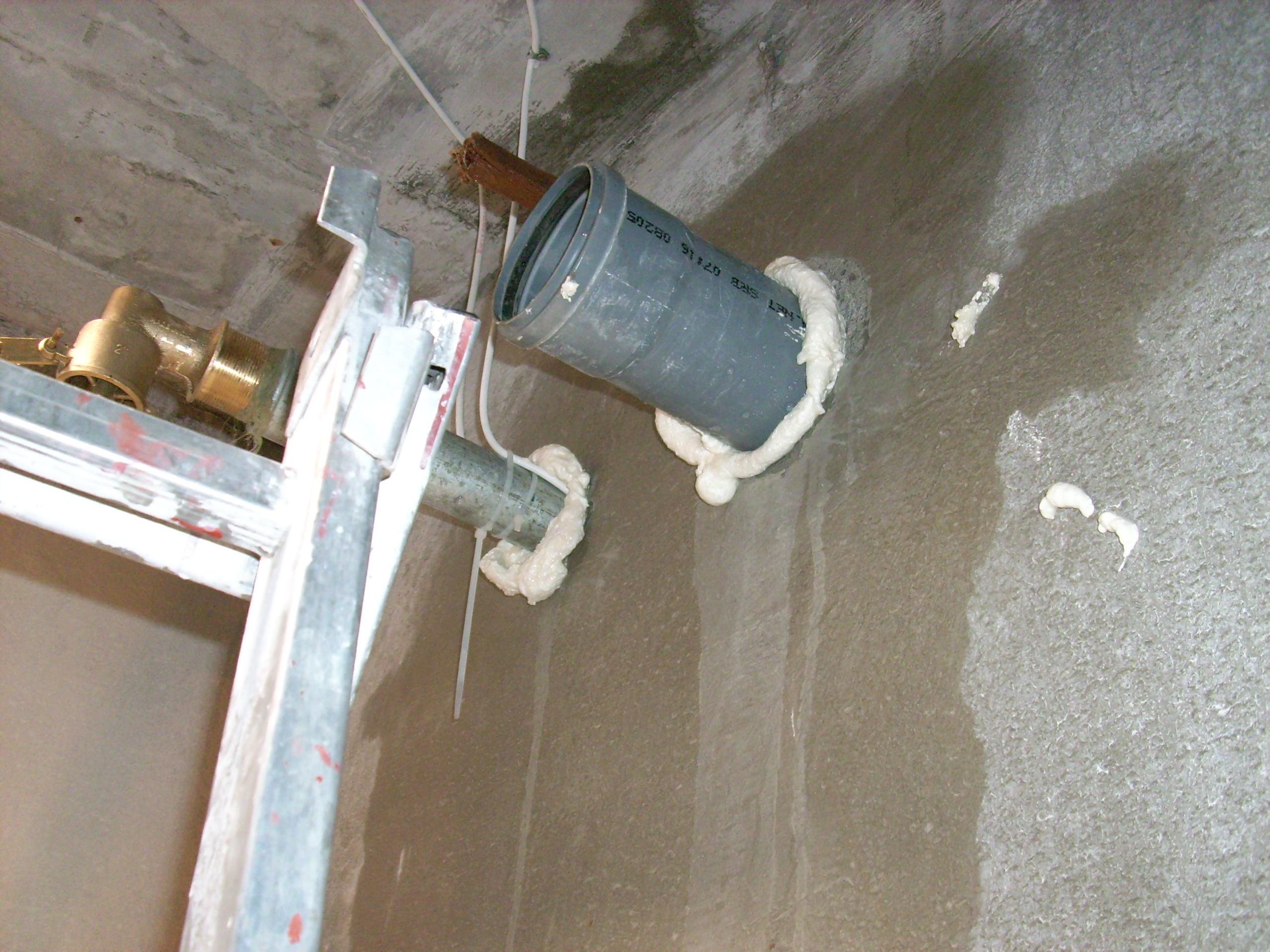 Hidroizolare strapungeri instalatii sanitare - Complex rezidential str Fetesti UNICO PROFIT - Poza 26