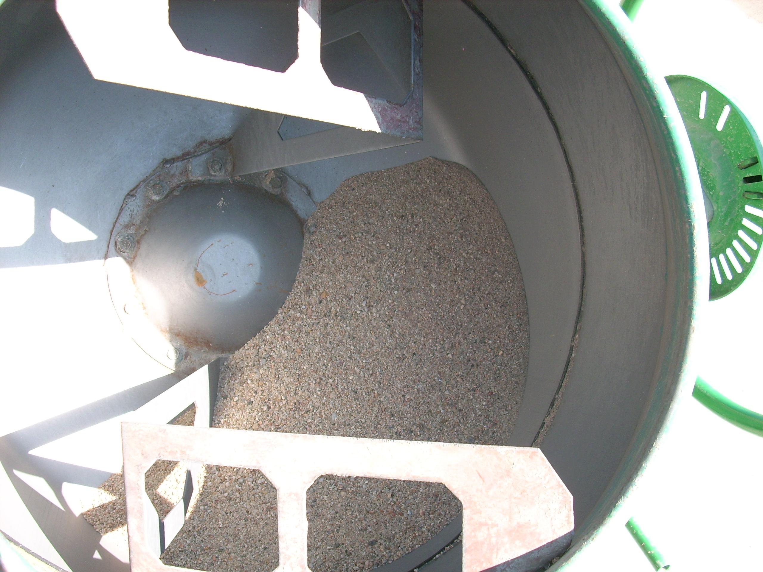Prepararea betonului hidroizolat in toata masa UNICO PROFIT - Poza 1