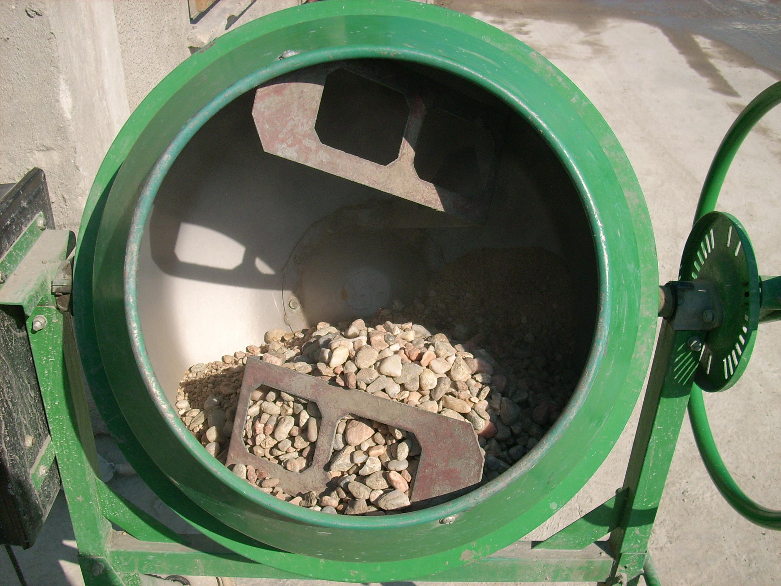 Prepararea betonului hidroizolat in toata masa UNICO PROFIT - Poza 2