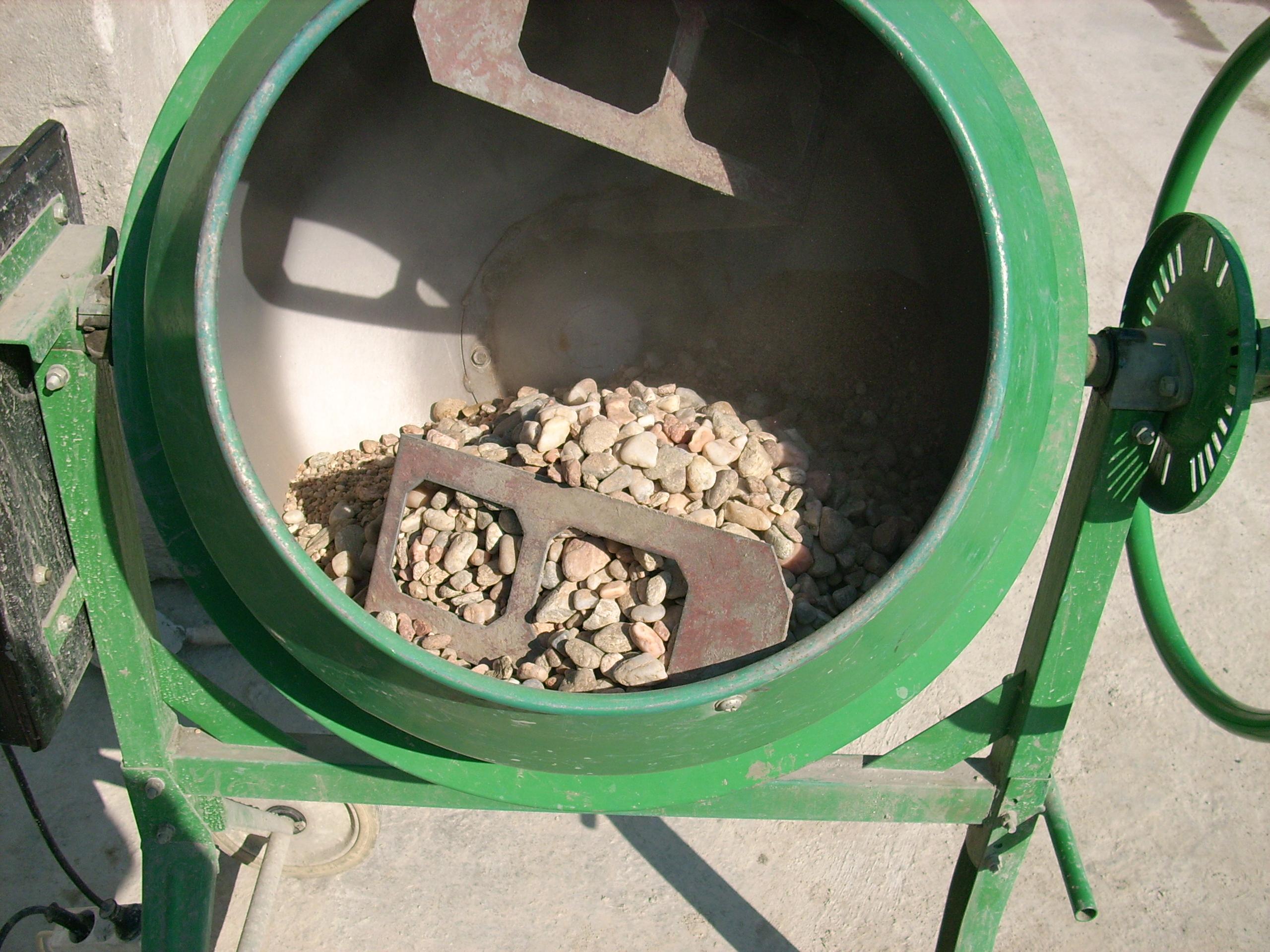 Prepararea betonului hidroizolat in toata masa UNICO PROFIT - Poza 10