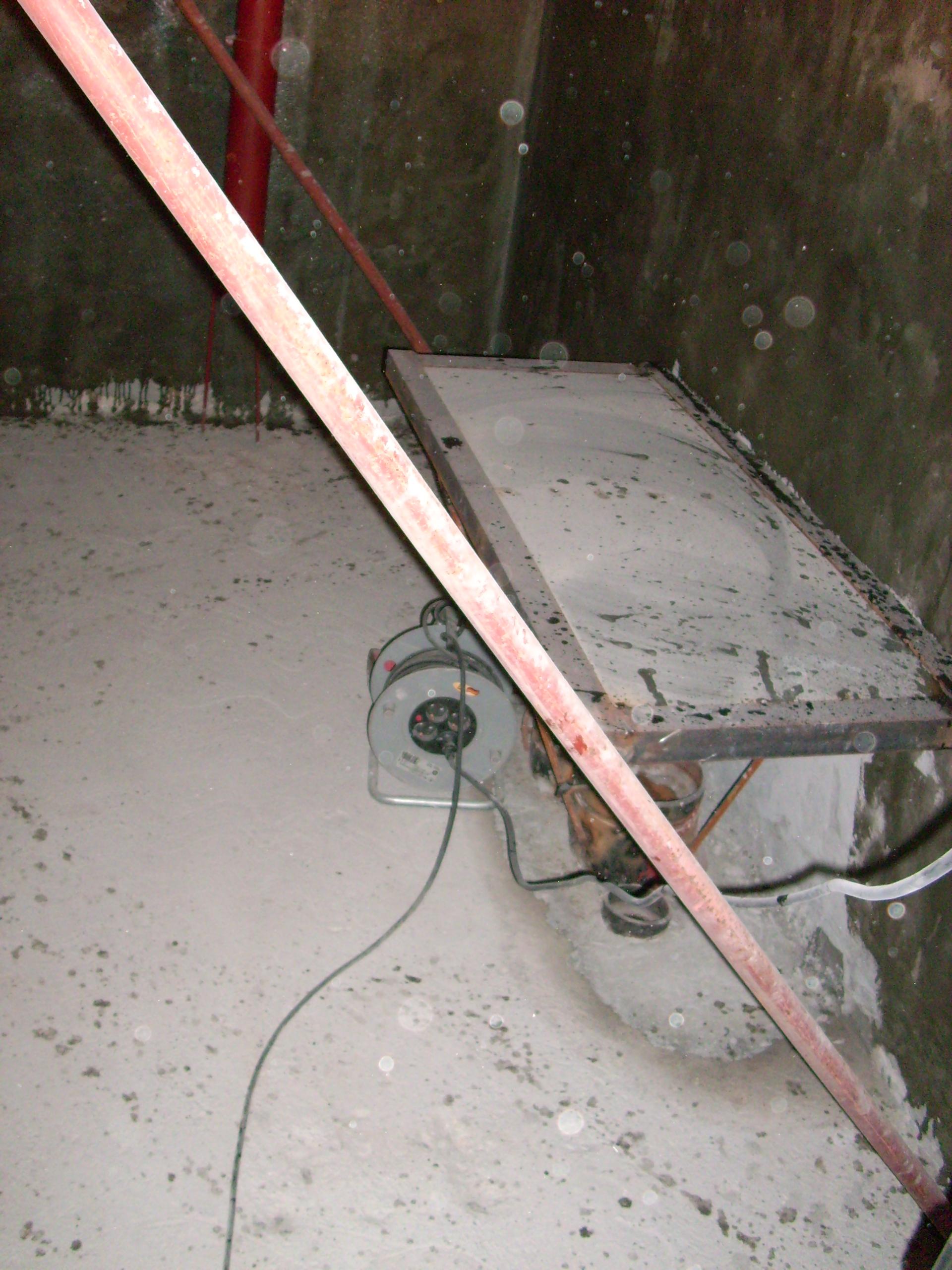 Aplicarea tratamentelor de impermeabilizare - Bazin de apa pentru incendiu - DAGESH - Turn Platinum UNICO PROFIT - Poza 37