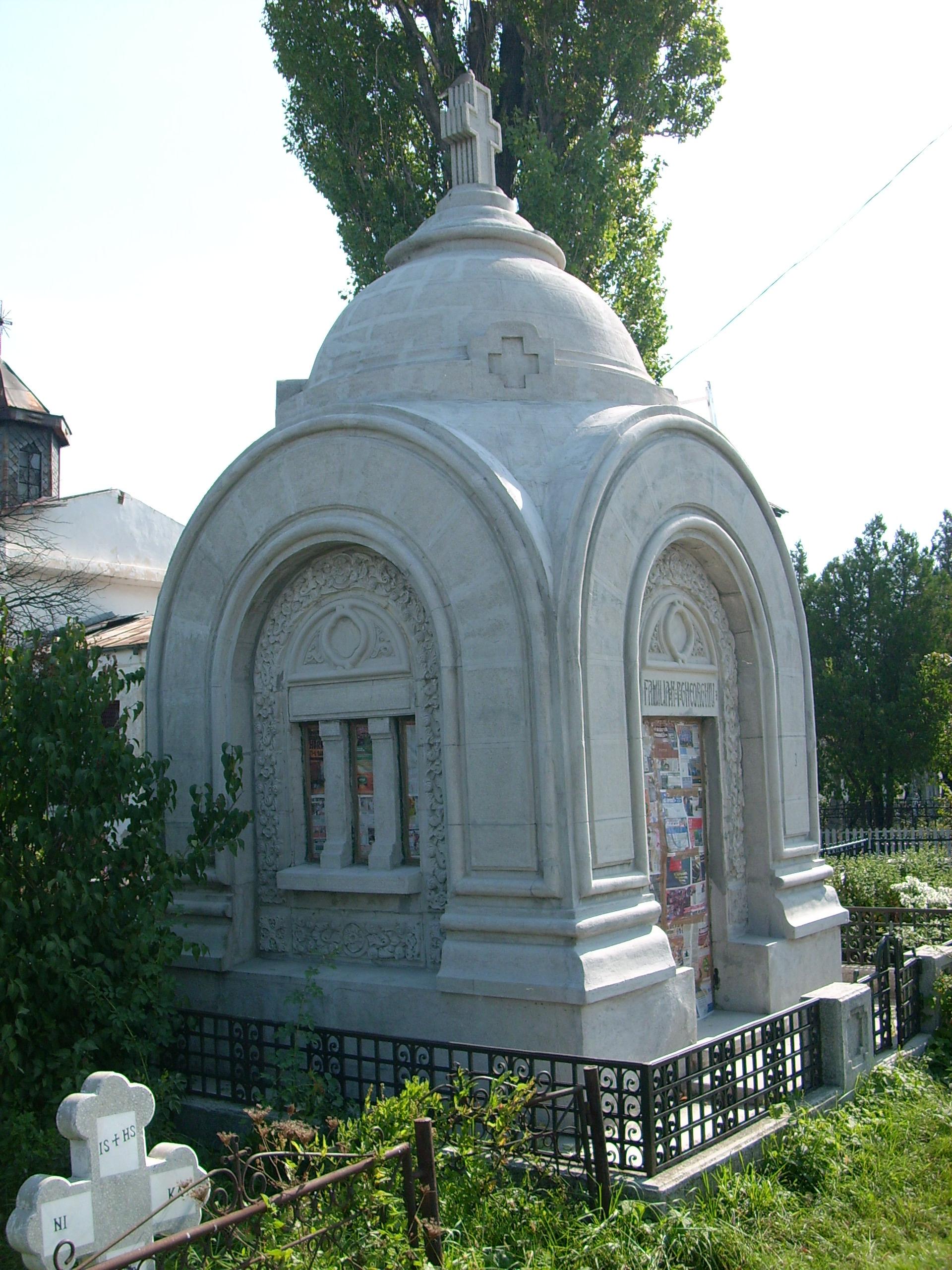 Aplicarea tratamentelor de impermeabilizare - Monument funerar UNICO PROFIT - Poza 13