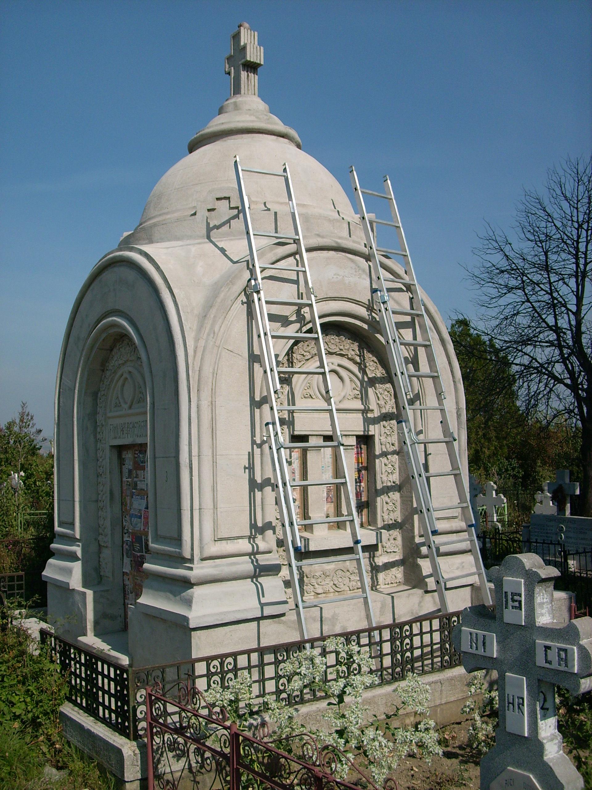 Aplicarea tratamentelor de impermeabilizare - Monument funerar UNICO PROFIT - Poza 14