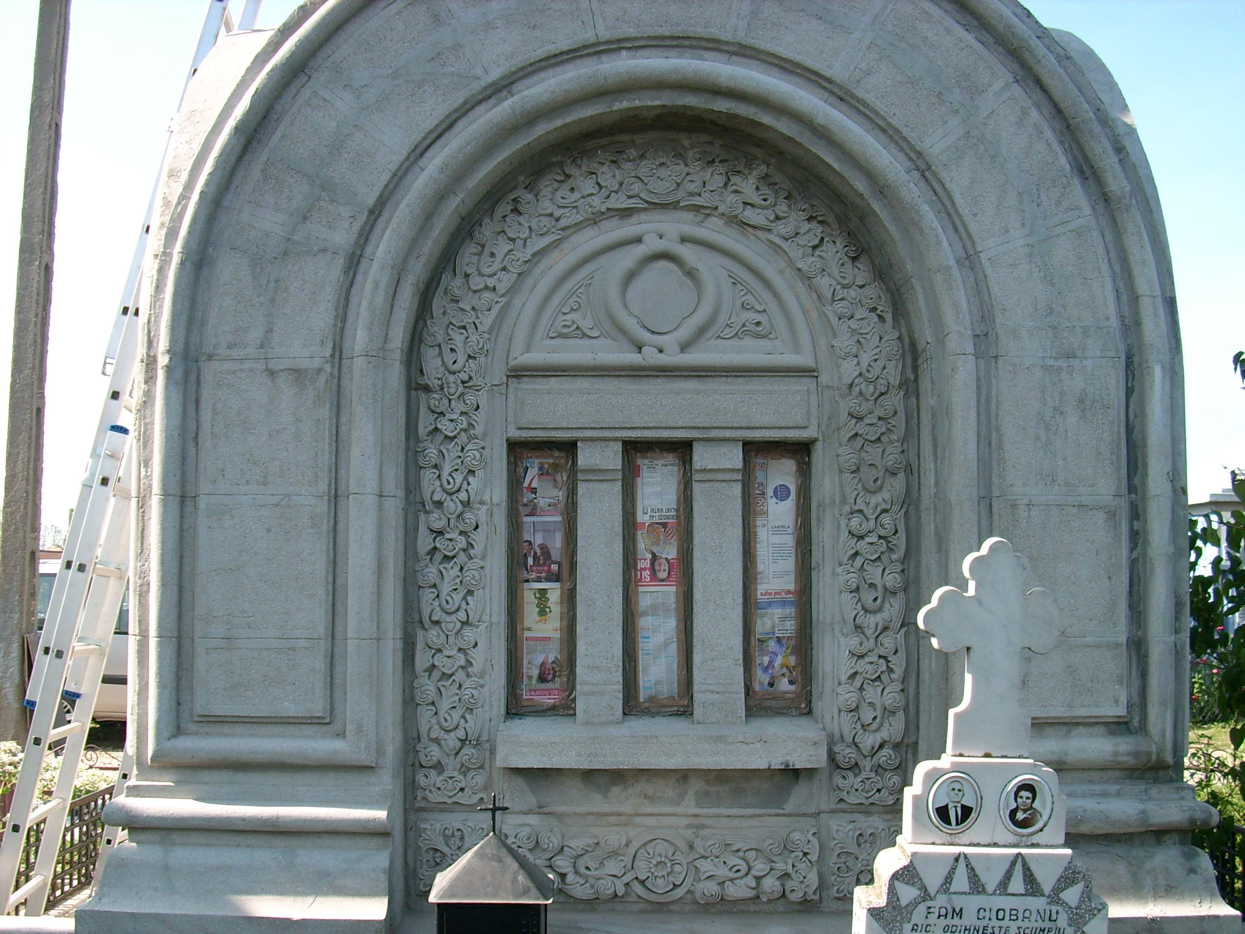 Aplicarea tratamentelor de impermeabilizare - Monument funerar UNICO PROFIT - Poza 17