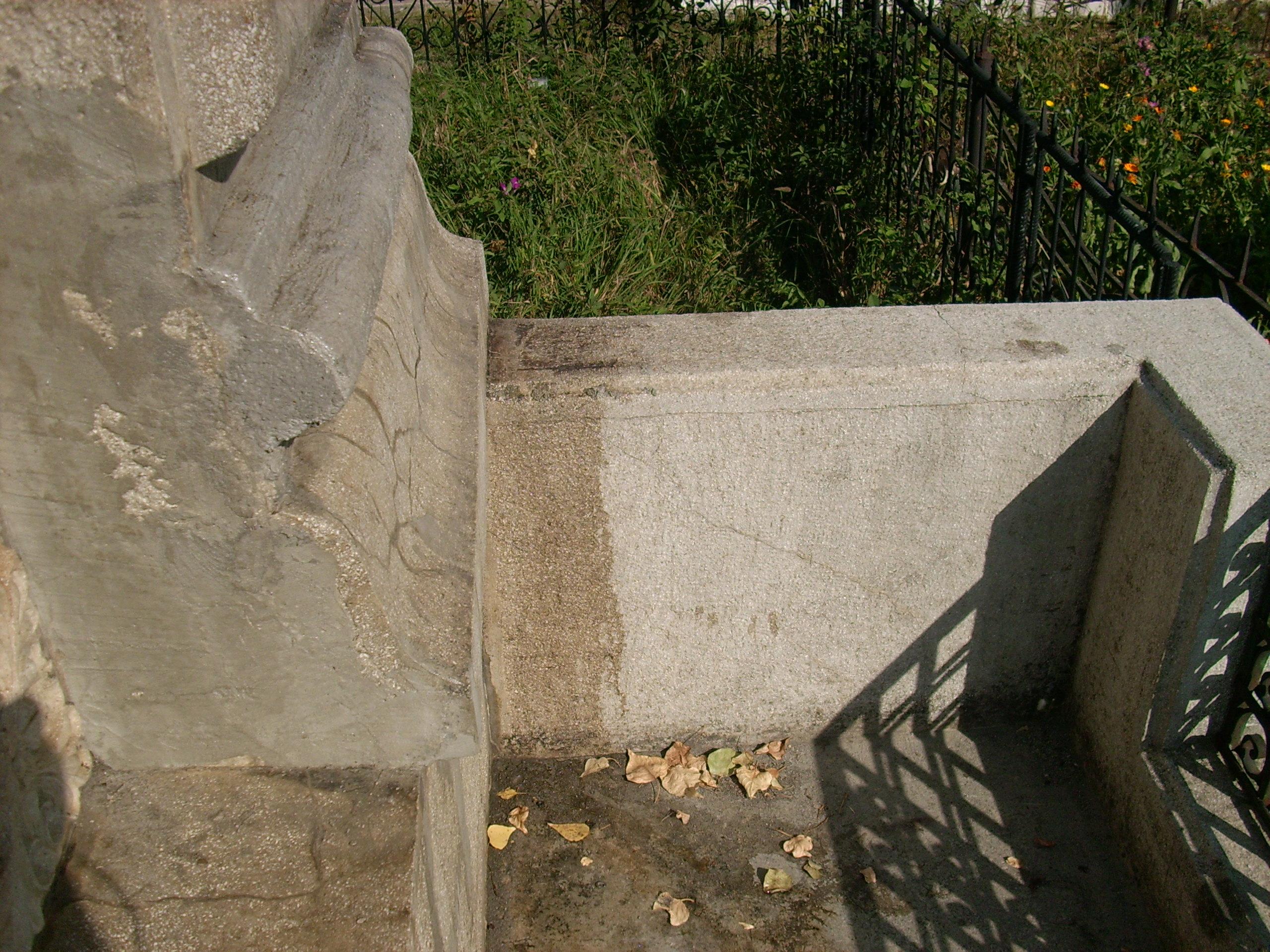 Aplicarea tratamentelor de impermeabilizare - Monument funerar UNICO PROFIT - Poza 18
