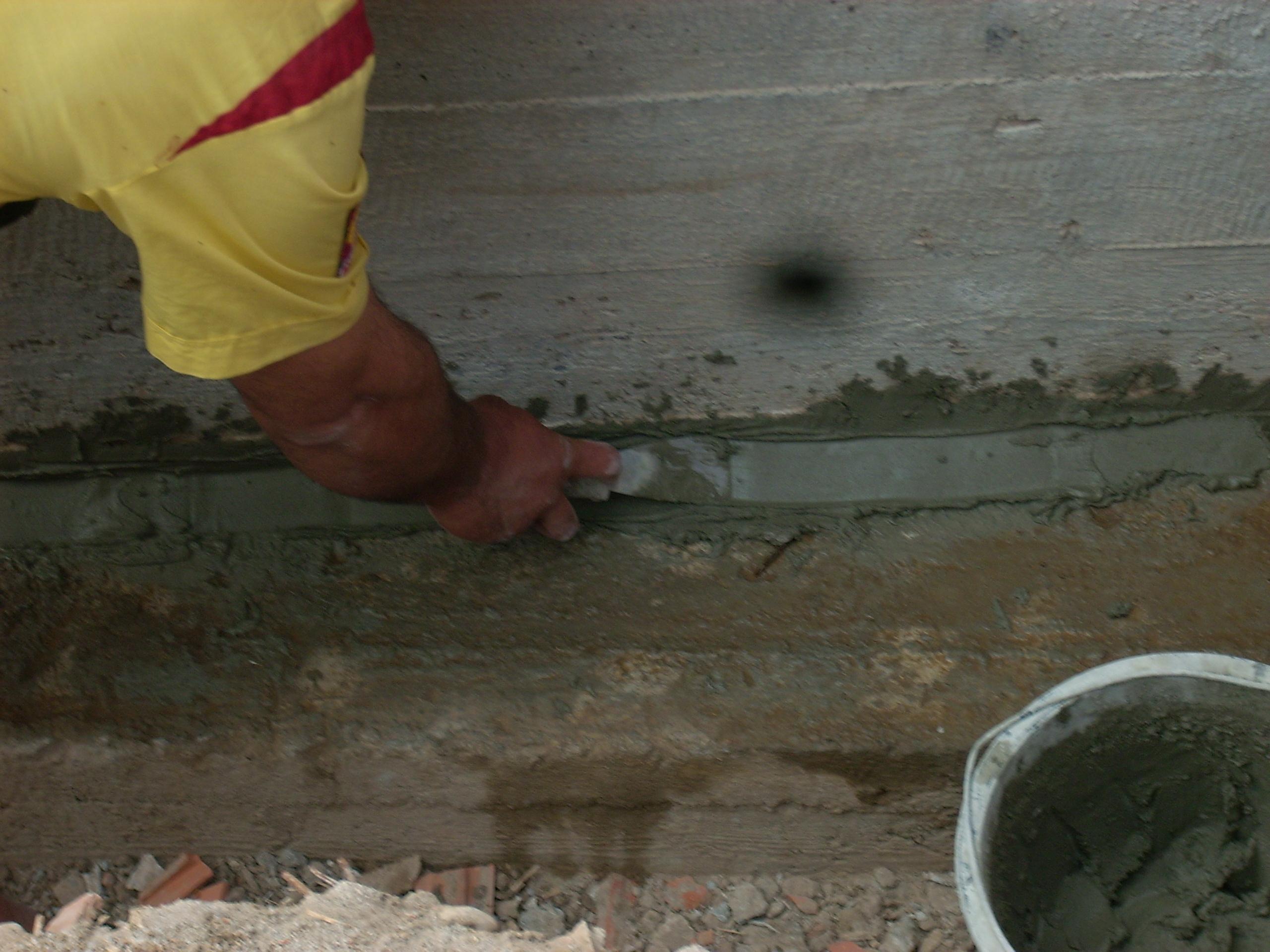 Aplicarea tratamentelor de impermeabilizare - Vila Rosu UNICO PROFIT - Poza 9