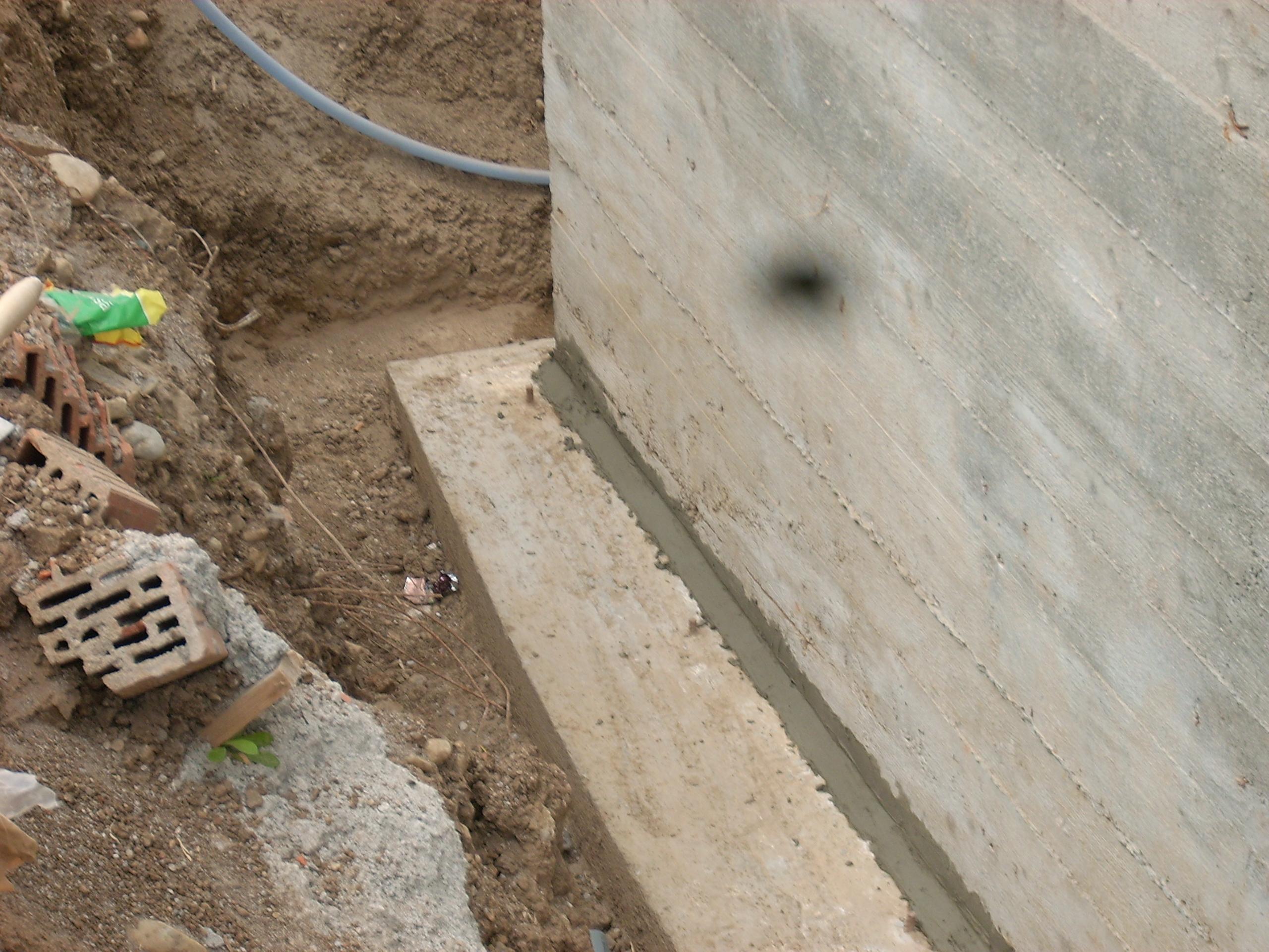Aplicarea tratamentelor de impermeabilizare - Vila Rosu UNICO PROFIT - Poza 31