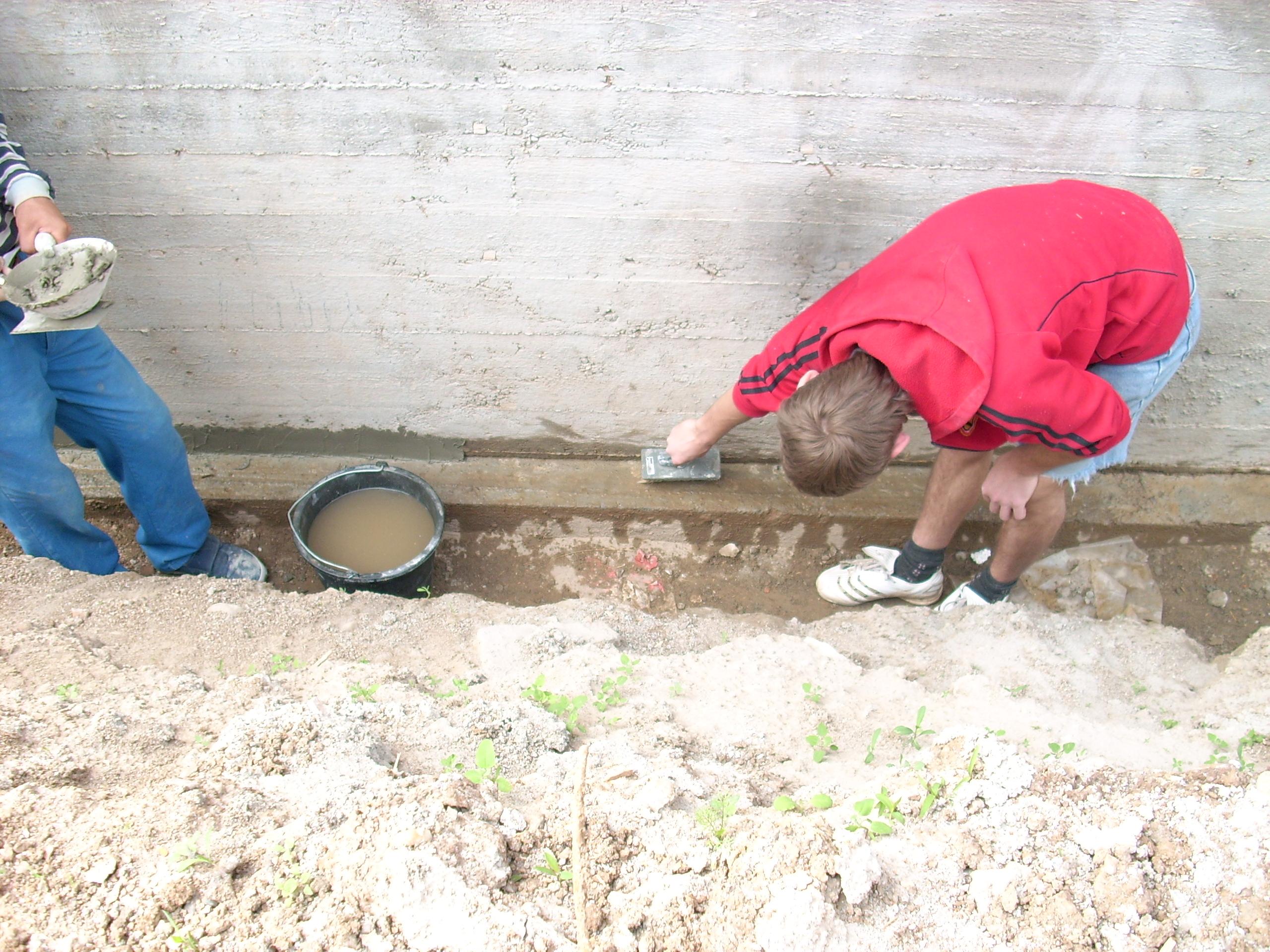 Aplicarea tratamentelor de impermeabilizare - Vila Rosu UNICO PROFIT - Poza 45