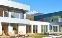 Ferestre pentru case pasive Construct Damar oferadoua tipuride ferestre INTERNORM , pentru case pasive sau case cu consum redus de energie acestea fiind: Ferestre din lemn cu captuseala de aluminiu si Ferestre din PVC cu captusela de aluminiu.