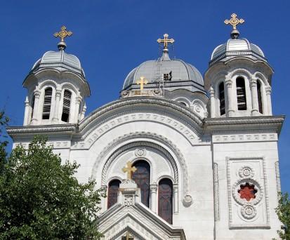 Biserica Sf Nicolae Vladica - acoperis vazut de aproape RHEINZINK® Tabla plana pentru invelitori titan zinc
