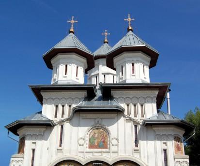 Detaliu acoperis - Biserica Sf Buna Vestire RHEINZINK® Tabla plana pentru invelitori titan zinc - Biserica