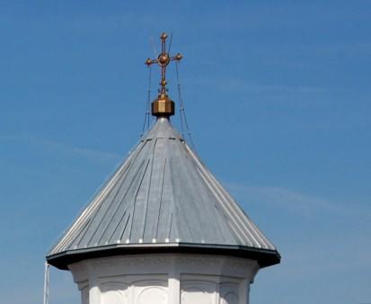 Biserica Sf Buna Vestire - detaliu acoperis RHEINZINK® Tabla plana pentru invelitori titan zinc - Biserica