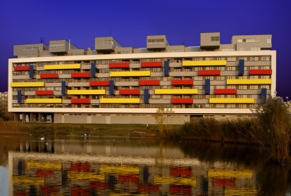 Blocuri cu balcoane colorate in rosu, galben si albastru A+, CLASIC, FORTE Constructii rezidentiale