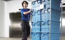 Ascensoare de materiale si persoane     KONE TranSys este un ascensor de marfa de noua generatie, spatios si economic proiectat pentru manevrarea articolelor comerciale si materialelor in cladiri de 2- pana la 6-etaje.