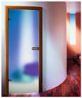Usi din sticla Usi din sticla - Sticla utilizata este securizata si poate fi clara, sablata cu motive florale sau orice alt design, inclusiv vitralii; Tocul este din lemn stratificat si este produs exact pe dimensiunea golului de zid. Feroneria (broasca si balamale) utilizata este doar de la firme renumite din Germania sau Austria. La cerere putem folosi balamale incastrate, batante sau sina cu role de ghidaj daca doriti usi glisante.