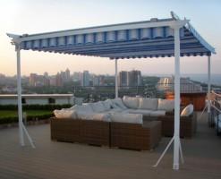 Pergole solare Pergolele solare GAVIOTA SIMBAC pot indeplini functii cum ar fi acoperis pentru locul de parcare al masinii, bicicletei sau a locului de depozitare sau ca element arhitectonic al gradinii