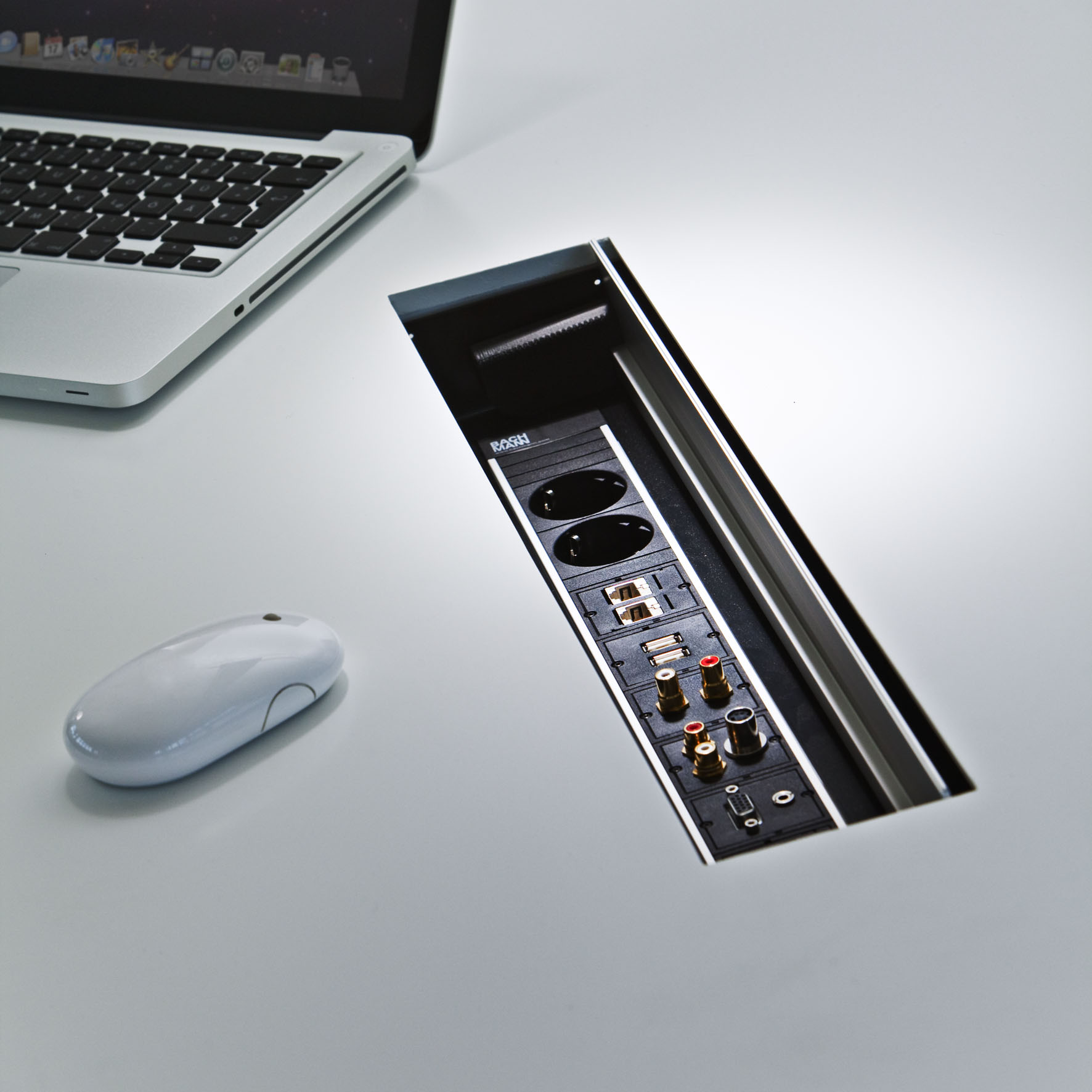 Sistem de management al cablurilor pentru birou BACHMANN - Poza 7