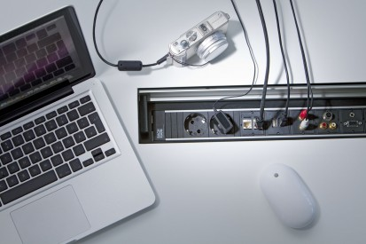 Sistem de management al cablurilor pentru birou / Topframe_Multimedia2