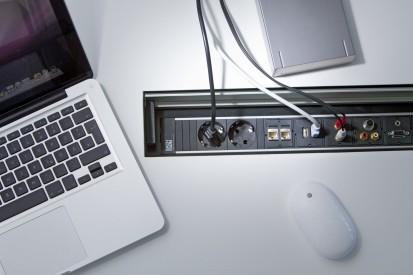 Sistem de management al cablurilor pentru birou / Topframe_Multimedia1