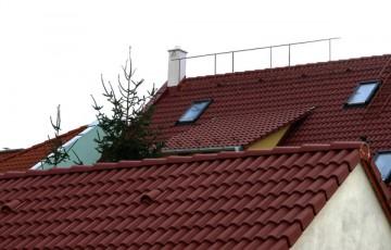 Sisteme de acoperis cu tigla din beton Sistemele de acoperis Leier cu tigle din beton rezistente la intemperii si impermeabile, sunt disponibile intr-o gama variata de culori si includ toate accesoriile necesare.