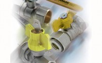 """Sisteme complete de alimentare pentru gaz Tipurile de robineti pentru gaz oferiti de TIEMME SYSTEMS sunt urmatoarele:Robineti cu sfera """"TORNADO"""" pentru gaz cu trecere standard EN 331; Robineti cu sfera """"URAGANO"""" pentru gaz - cu trecere totala - ISO 7-EN 331; Robineti cu sfera pentru gaz, pentrudiverse aplicatii - sigilabili/ portfurtun/ coltari/ cu olandez/ mini; Robineti de instalat dupa montarea contorului de gaz - sigilabili si cu dubla inchidere, cu cheie, avand ISO 7/EN 10226."""