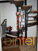 Scara cu trepte autoportante si balustrada otel negru mat | Scari cu structura metalica |