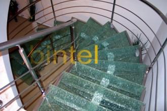 Scari pe structura metalica pentru interior BINTEL
