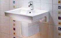Lavoare pentru baie Lavoarele pentru baie Mondial sunt lavoare de inalta calitate germana, a caror suprafata foarte lucioasa respinge apa, iar bacteriile si piatra se depun greu.