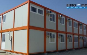 Containere  metalice multifunctionale pentru organizari de santiere, birouri, vestiare Containerele modulare EURO MODUL sunt confectii metalice, realizate in mai multe marimi si cu solutii infinite de echipare in functie de exigentele clientului.