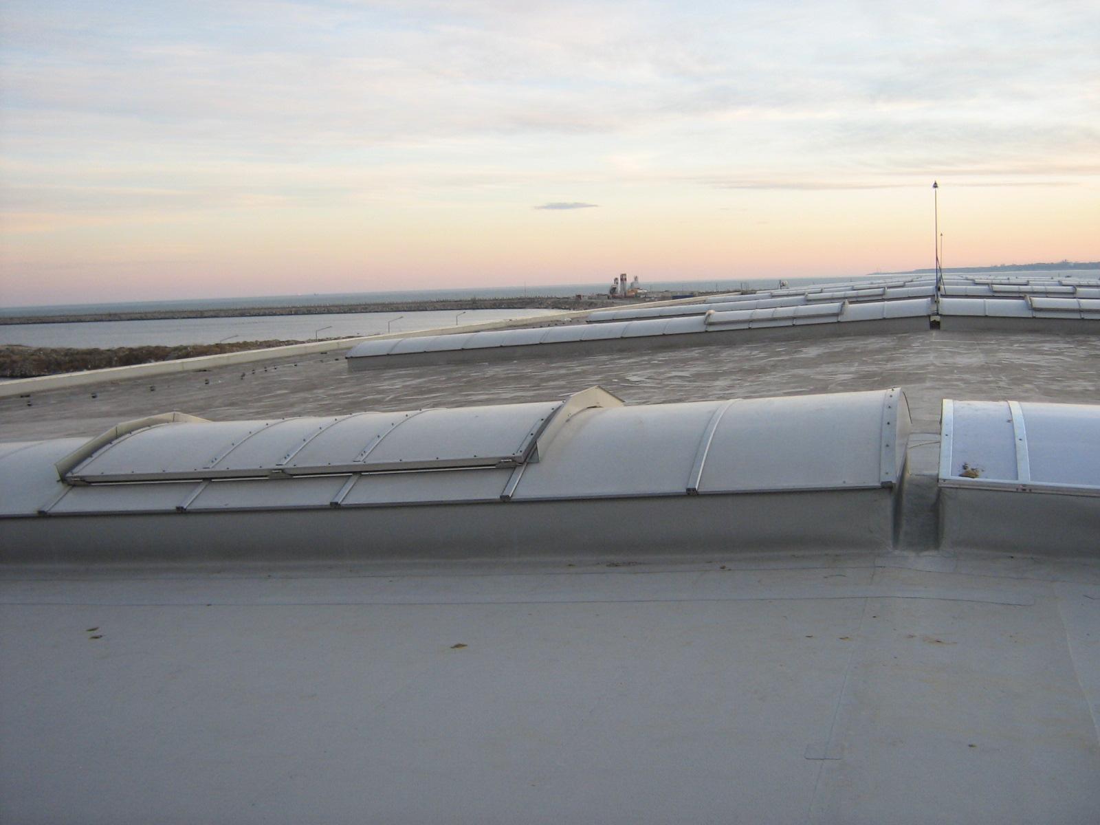 Luminatoare industriale - Depozit Kronospan - Agigea HEXADOME - Poza 4