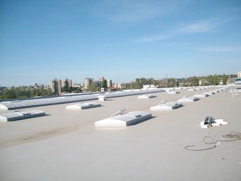 Lucrari, proiecte Luminatoare industriale - Spatiu comercial Baumax - Iasi HEXADOME - Poza 1