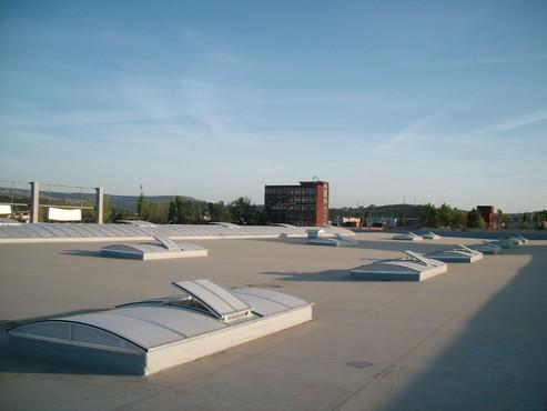 Lucrari, proiecte Luminatoare industriale - Spatiu comercial Baumax - Iasi HEXADOME - Poza 2