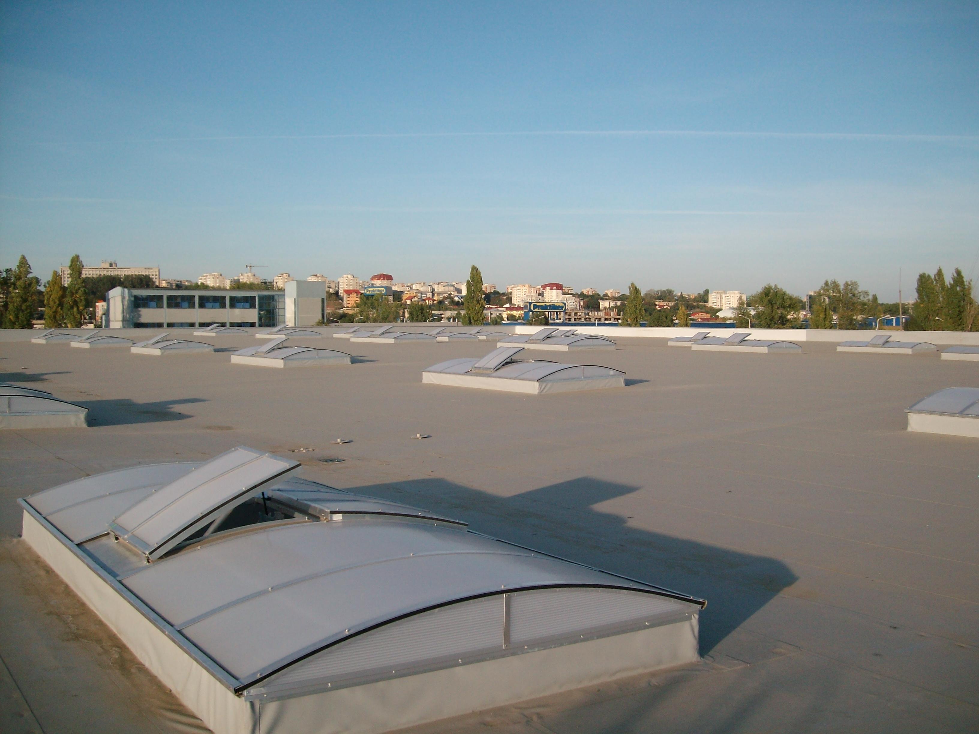 Luminatoare industriale - Spatiu comercial Baumax - Iasi HEXADOME - Poza 3