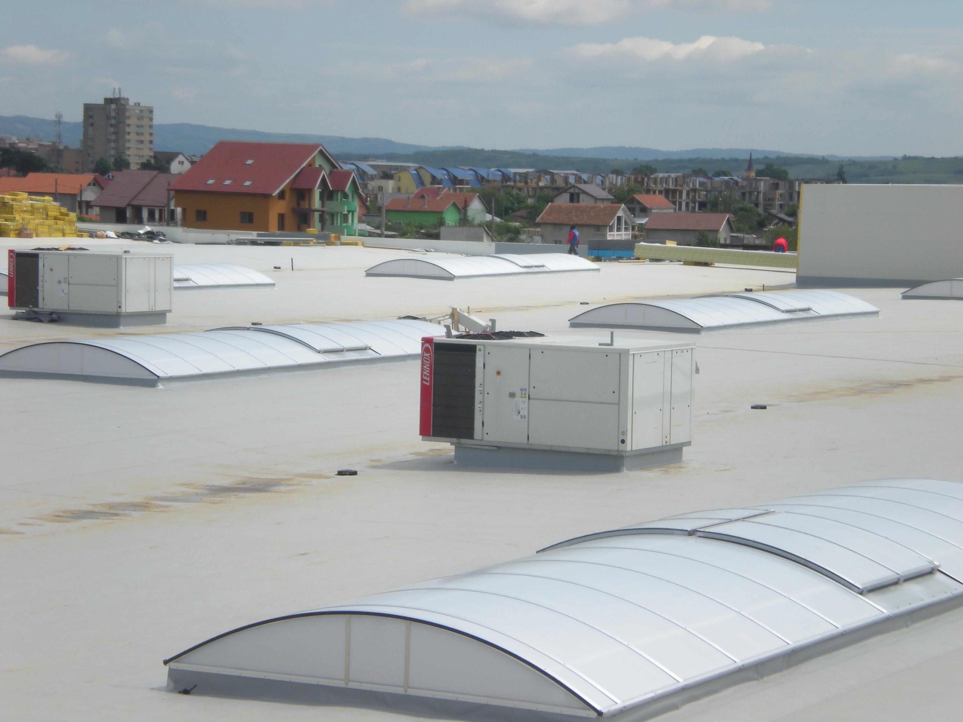 Luminatoare industriale - Spatiu comercial Carrefour - Drobeta Turnu Severin HEXADOME - Poza 1