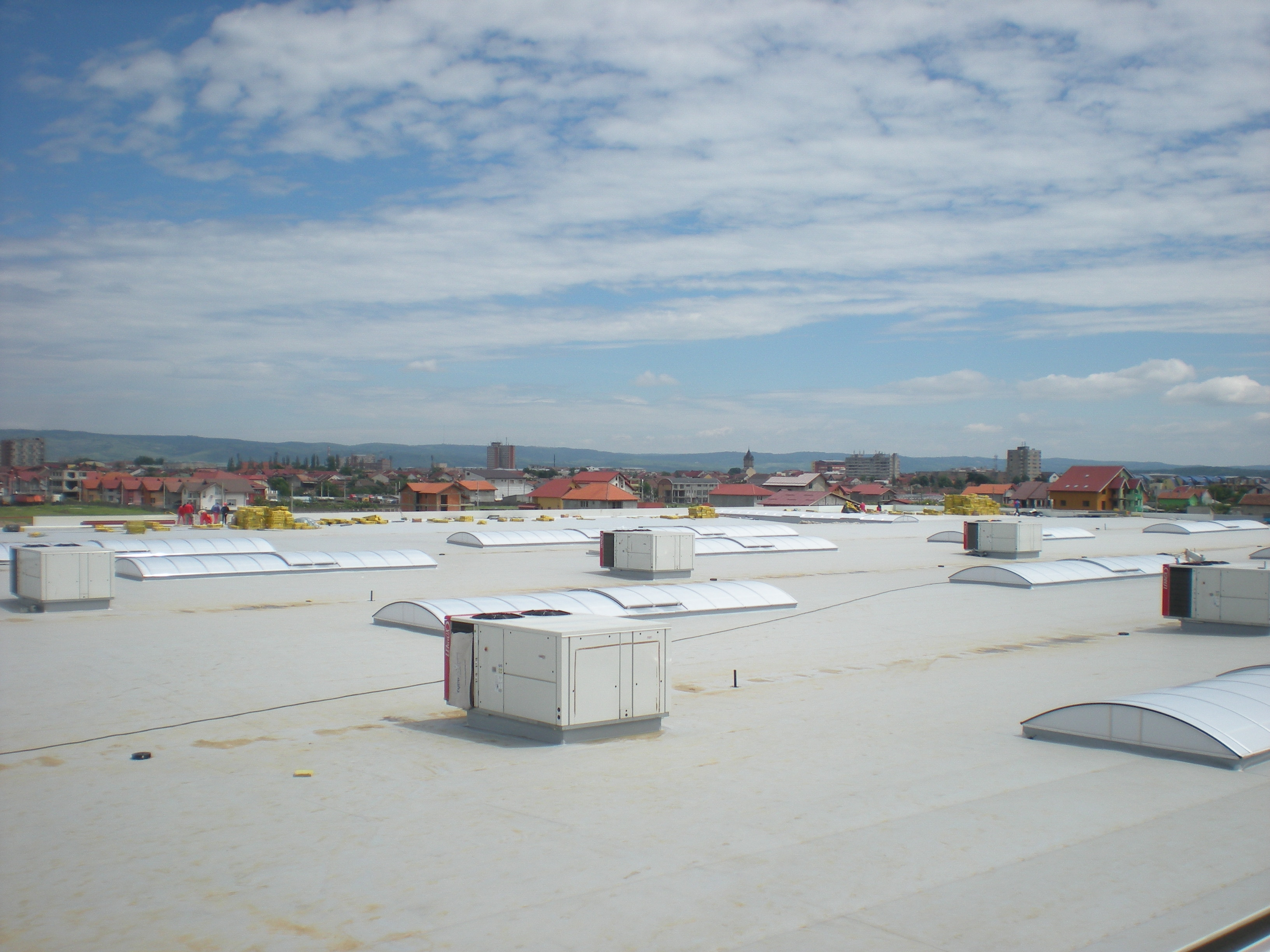 Luminatoare industriale - Spatiu comercial Carrefour - Drobeta Turnu Severin HEXADOME - Poza 2