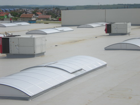 Luminatoare industriale - Spatiu comercial Carrefour - Drobeta Turnu Severin HEXADOME - Poza 4