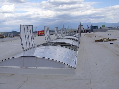 Lucrari, proiecte Luminatoare industriale - Spatiu comercial Carrefour - Sibiu HEXADOME - Poza 3