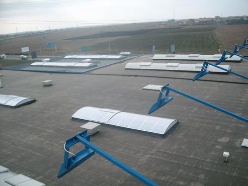 Luminatoare industriale - Spatiu comercial Praktiker - Constanta HEXADOME - Poza 4