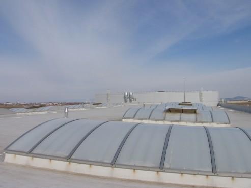 Luminatoare industriale - Spatiu de productie Apex - Brasov HEXADOME - Poza 3