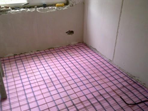 Lucrari, proiecte Incalzire in pardoseala - renovare apartament Calimanesti, jud Valcea RAYCHEM - Poza 1