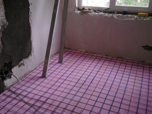 Lucrari, proiecte Incalzire in pardoseala - renovare apartament Calimanesti, jud Valcea RAYCHEM - Poza 2