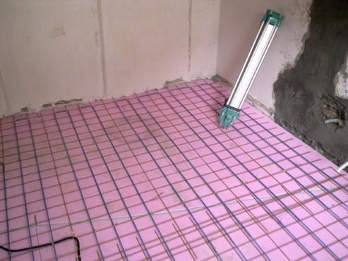 Lucrari, proiecte Incalzire in pardoseala - renovare apartament Calimanesti, jud Valcea RAYCHEM - Poza 35