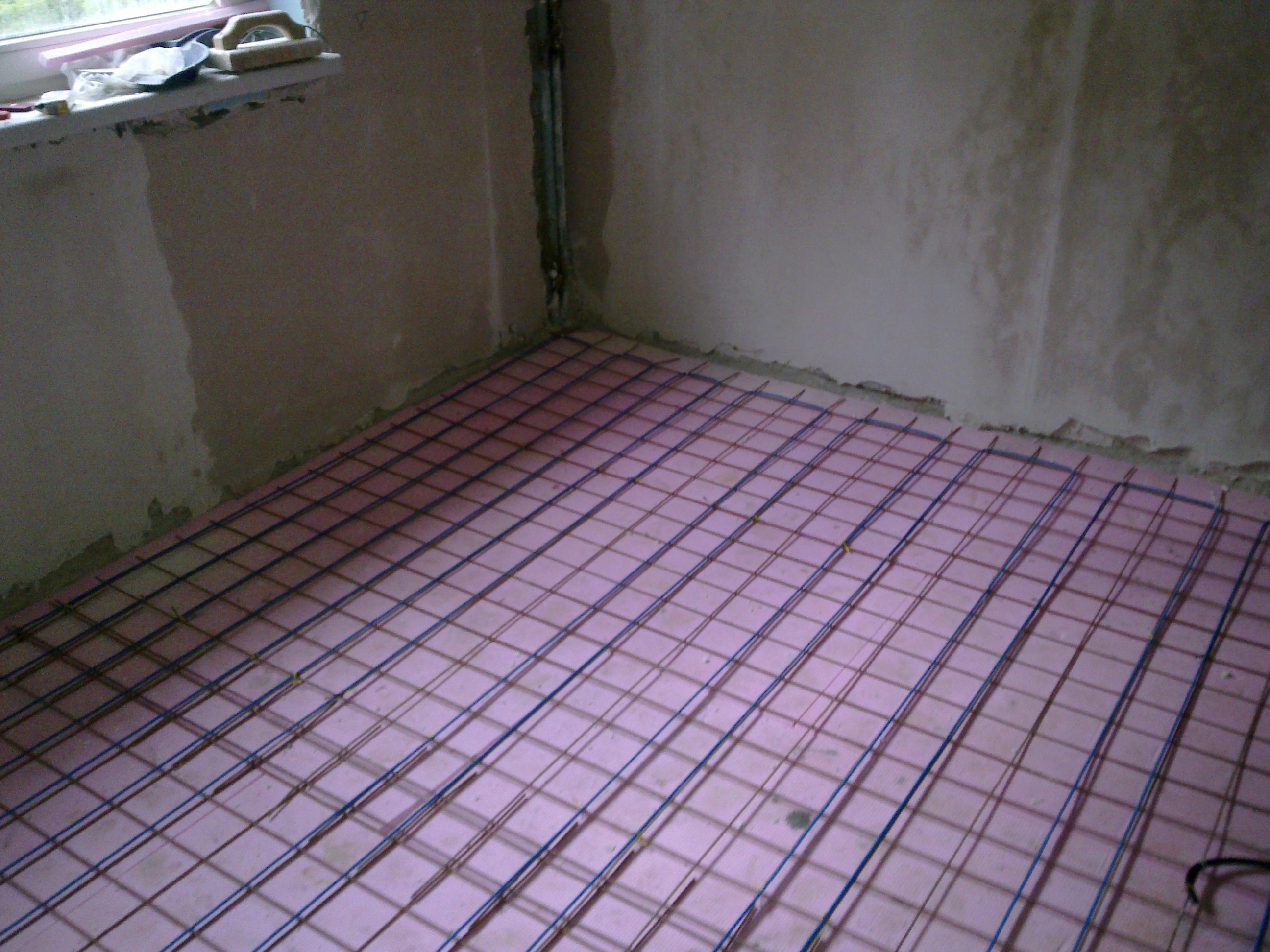 Incalzire in pardoseala - renovare apartament Calimanesti, jud Valcea RAYCHEM - Poza 41