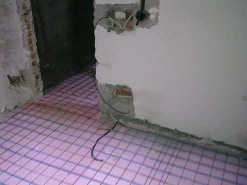 Lucrari, proiecte Incalzire in pardoseala - renovare apartament Calimanesti, jud Valcea RAYCHEM - Poza 10